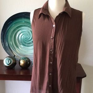 French Laundry sleeveless button front top